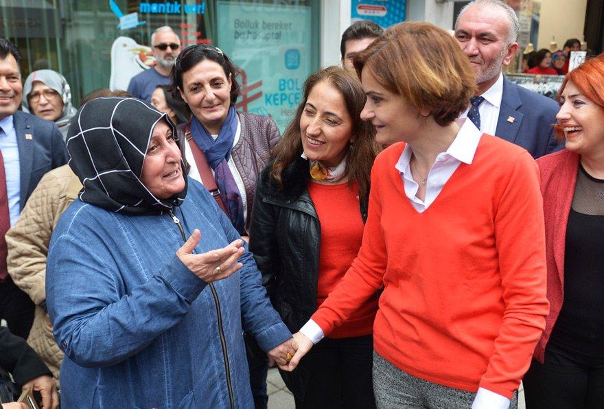 """'2019'DA DAHA ÇOK KADIN ADAY GÖRECEĞİZ' Yerel seçim hazırlıklarına başlayan CHP İstanbul İl Başkanı Kaftancıoğlu, kenti sokak sokak geziyor. Halkın derdini dinliyor. Kaftancıoğlu, """"Her bölgede bir kadın belediye başkanı olması İstanbul için kazanımdır. Hedefimiz bu"""" diyor."""