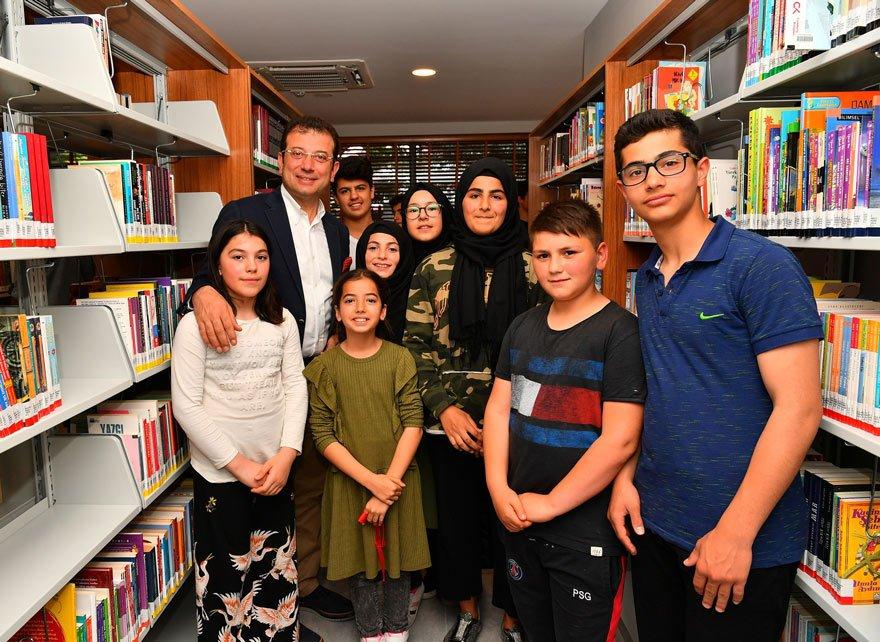 80 BİN KİTAPLIK KÜTÜPHANE KURDULAR CHP'li Ekrem İmamoğlu, Atatürk Kültür ve Sanat Merkezi'nde 80 bin kitaplık bir de kütüphane yer aldığını söyledi.
