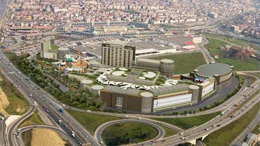 2010 yılında İstanbul Bayrampaşa'daki ORA Alışveriş Merkezi'ne verilen kredide siyasi baskı olduğu ortaya çıktı.
