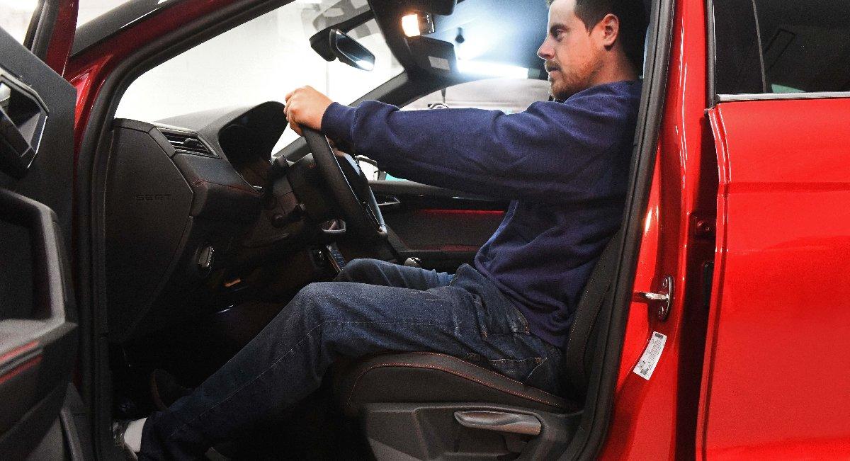 1541741749_the_many_challenges_facing_car_seats_003_hq_1_-kopya