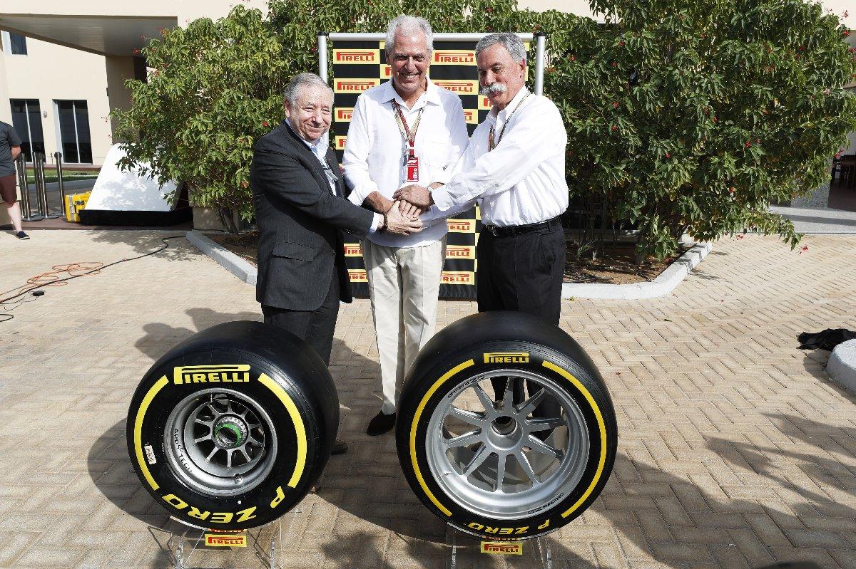 Formula 1 Yönetim Kurulu Başkanı ve CEO'su Chase Carey, FIA Başkanı Jean Todt ve Pirelli Başkan Yardımcısı ve CEO'su Marco Tronchetti Provera