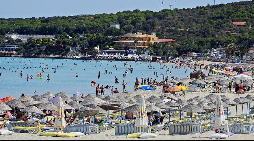 Yabancıların ilgisi nedeniyle önümüzdeki yıl tatilin Ege'de yüzde 35 Akdeniz'de yüzde 45 artması bekleniyor.