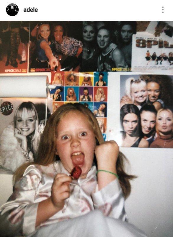 Ünlü şarkıcı Adele, mutluluğunu bu paylaşımla dile getirdi...