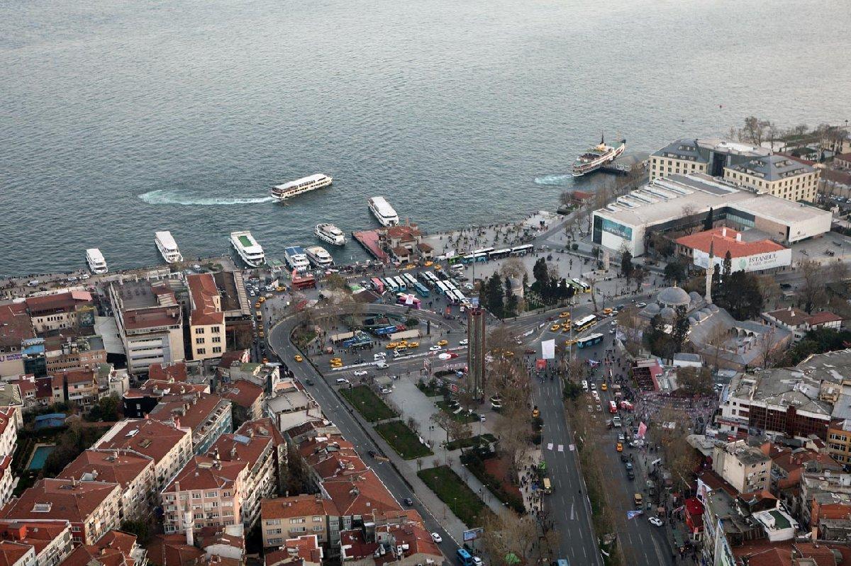 FOTO: DEPOPHOTOS / Beşiktaş Meydanı