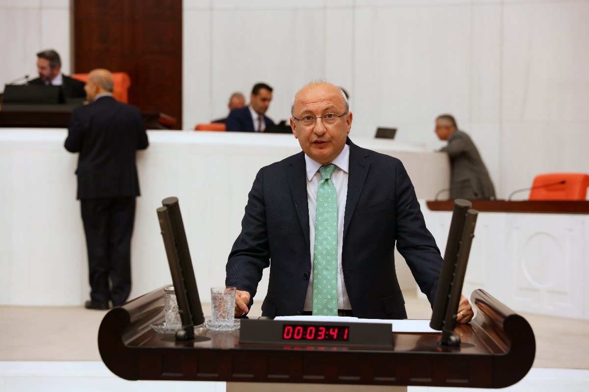 CHP Eskişehir milletvekili Utku Çakırözer, kentteki elektrik kesintilerini Bakanlığa sormuştu.