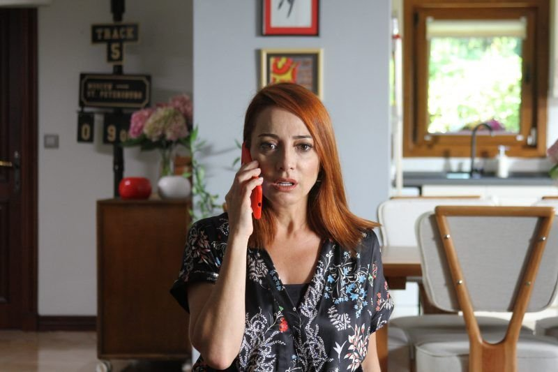 Dolunay Soysert şu an Elimi Bırakma dizisinde rol alıyor.
