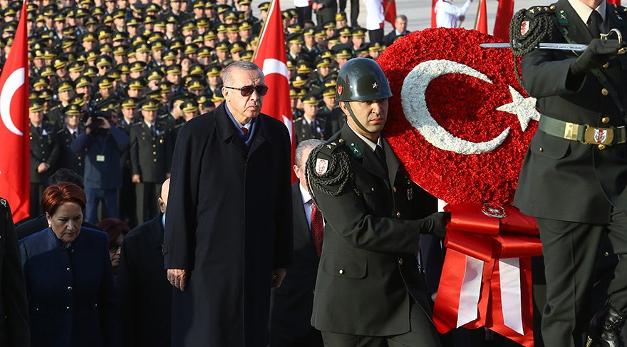 Cumhurbaşkanı Erdoğan ve devlet erkanı ve siyasi parti temsilcileri ile beraber Anıtkabir'i ziyaret etti. Foto: AA