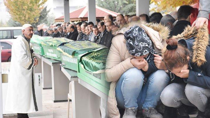 Kaza kurbanları gözyaşlarıyla toprağa verildi