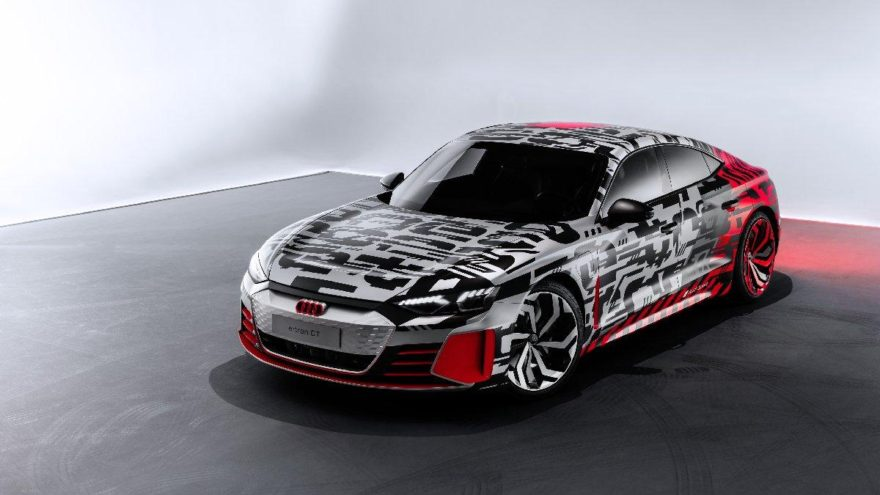 Audi'den bir elektrikli daha: e-tron GT Konsept!
