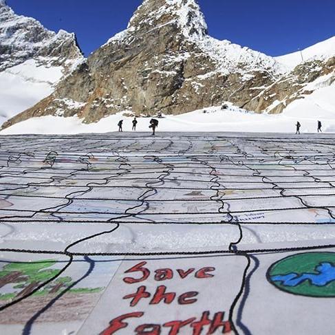 Aletsch Buzulu'nda iklim değişikliği için dev kartpostal