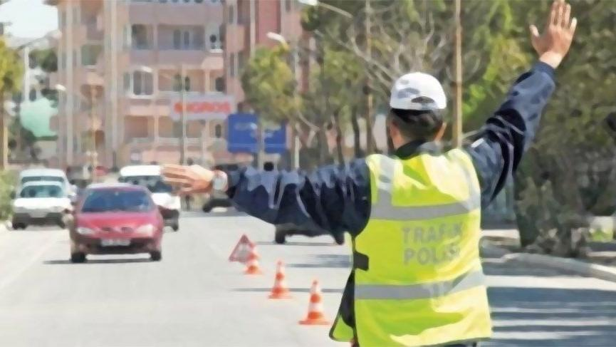 Yayaya yol vermeyen araç sürücüsüne 488 lira trafik cezası kesildi