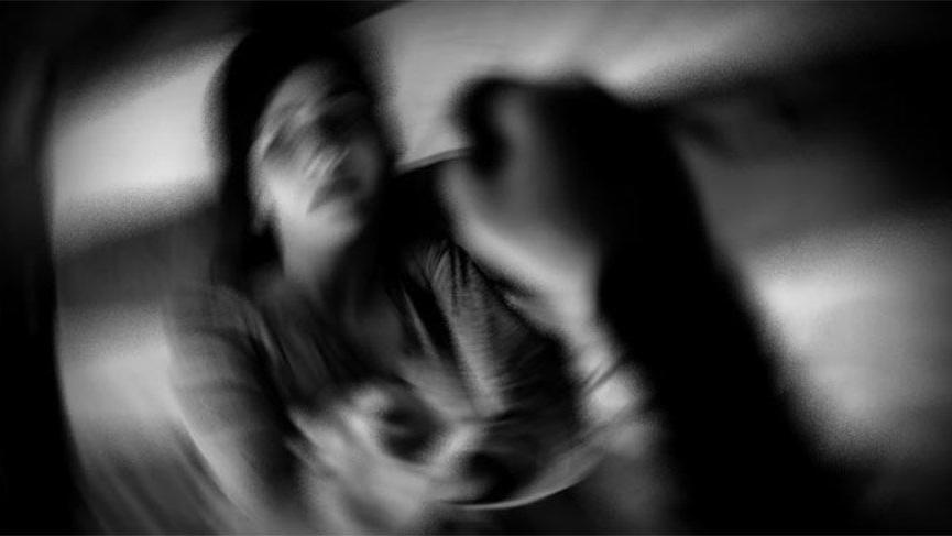 Cinsel istismar sanıklarının tutuksuz yargılanmasına isyan etti