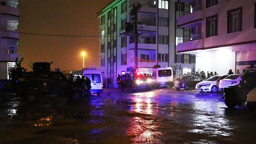 Hücre evi baskınında çatışma: 1 polis şehit oldu