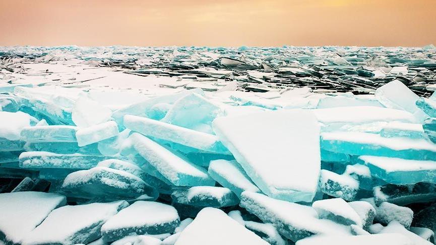 Donmuş göllerin nefes kesen görüntüleri