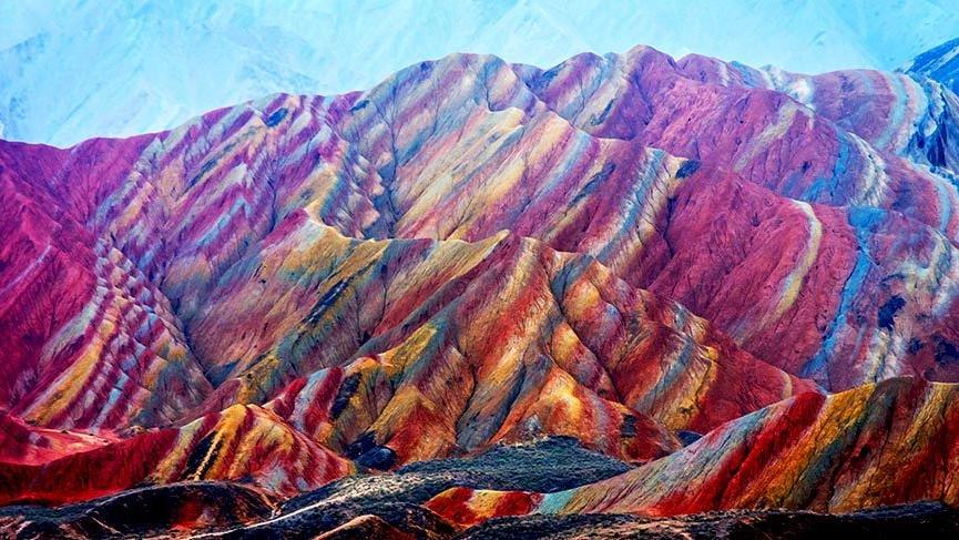 Çin'in gökkuşağı dağları