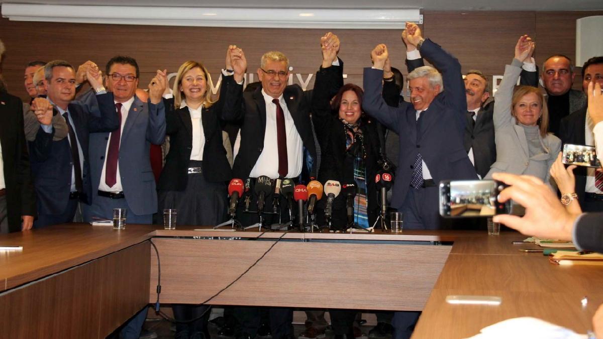 CHP, Bursa'daki belediye başkan adaylarını tanıttı