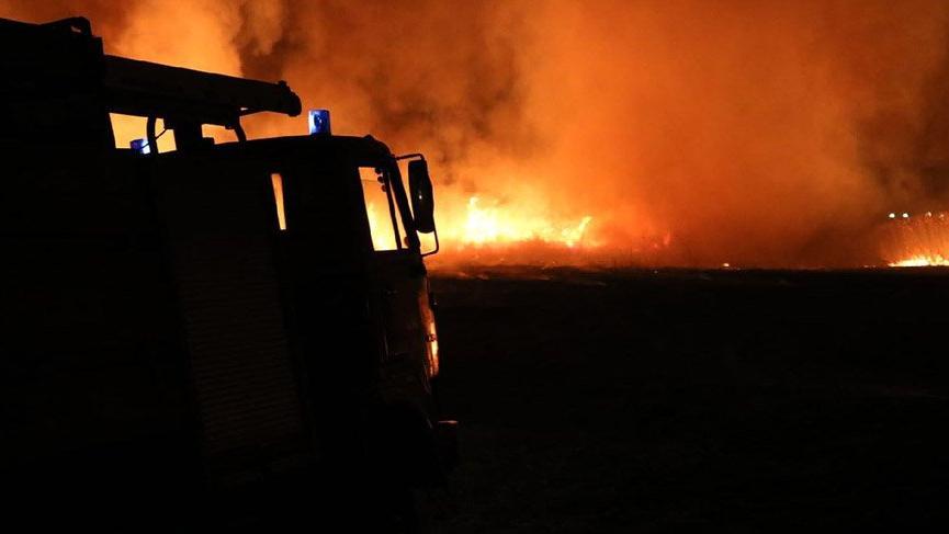 Tekstil atölyesinden çıkan yangın mahalleyi sokağa döktü