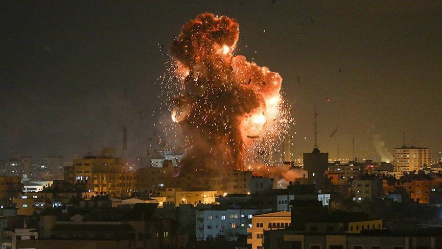 İsrail 'El Aksa' binasına 10 füze gönderdi! Bina yerle bir oldu