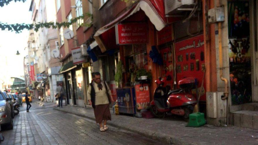Suriyeliler kantonu… Türkler kaçıyor!