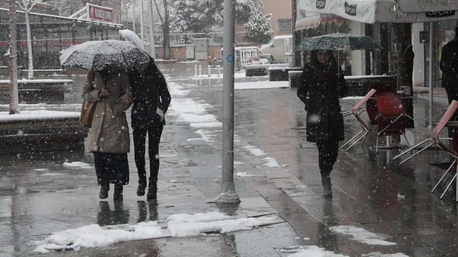 Kış ani geldi! Soğuk, kar ve yağmur ne zaman bitecek? | Meteoroloji'den son dakika tahminleri...