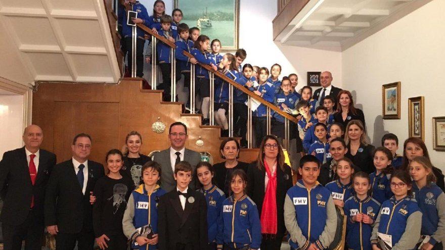 Işıklı öğrenciler, Ata'mızı Selanik'teki evinde andı