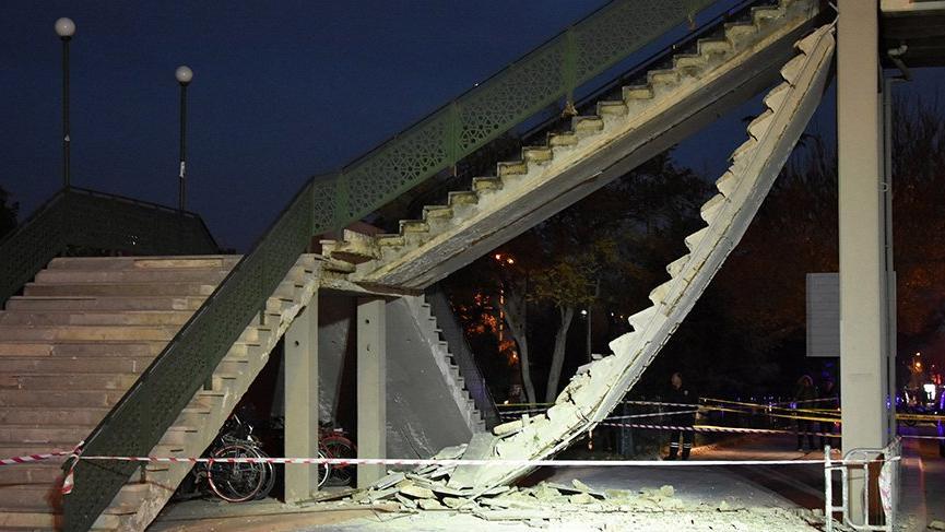 Üst geçitte korkunç kaza! Merdivenler çöktü...