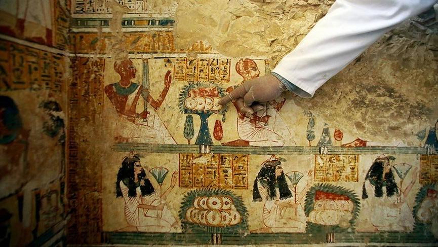 Mısır'da aynı günde iki yeni arkeolojik keşif