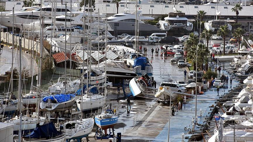 Marmaris'teki hortumlar 35 yatta hasara yol açtı