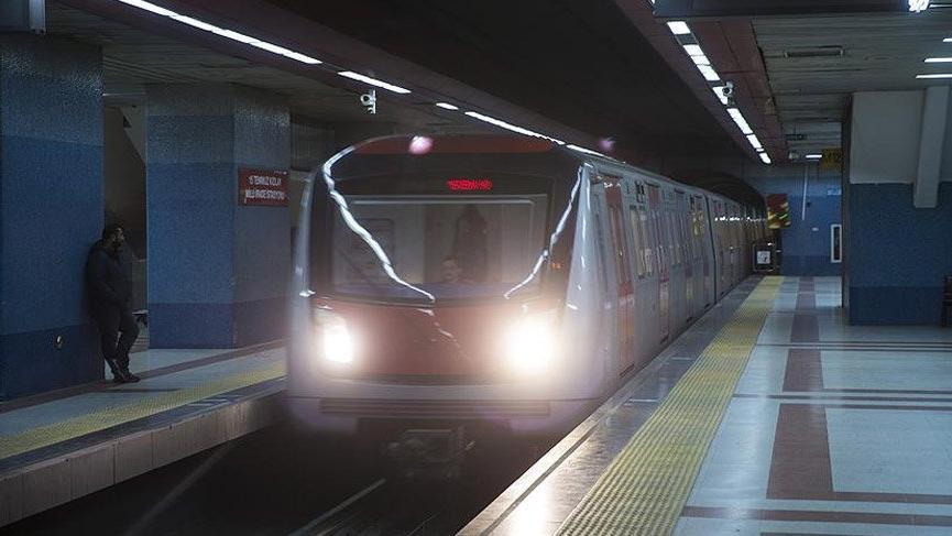 Ankara'daki metroda intihar nedeniyle seferler durdu