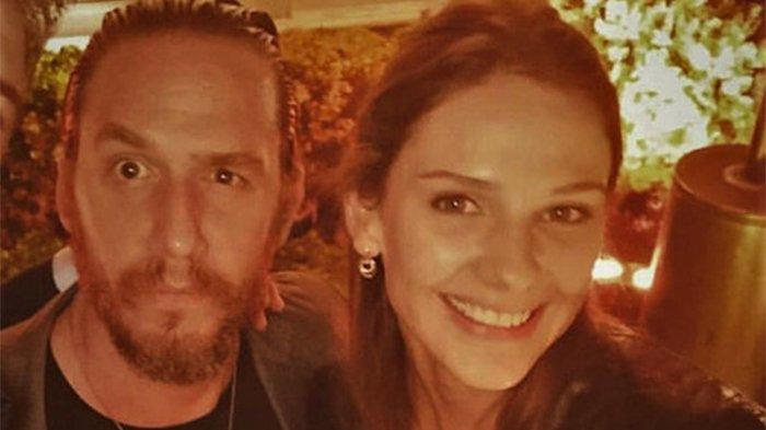 Mithat Can Özer ile Alina Boz aşkından ilk kare