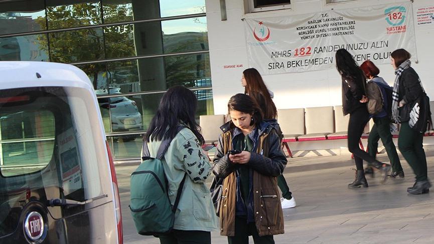 24 öğrenci zehirlenme şüphesiyle hastaneye kaldırıldı
