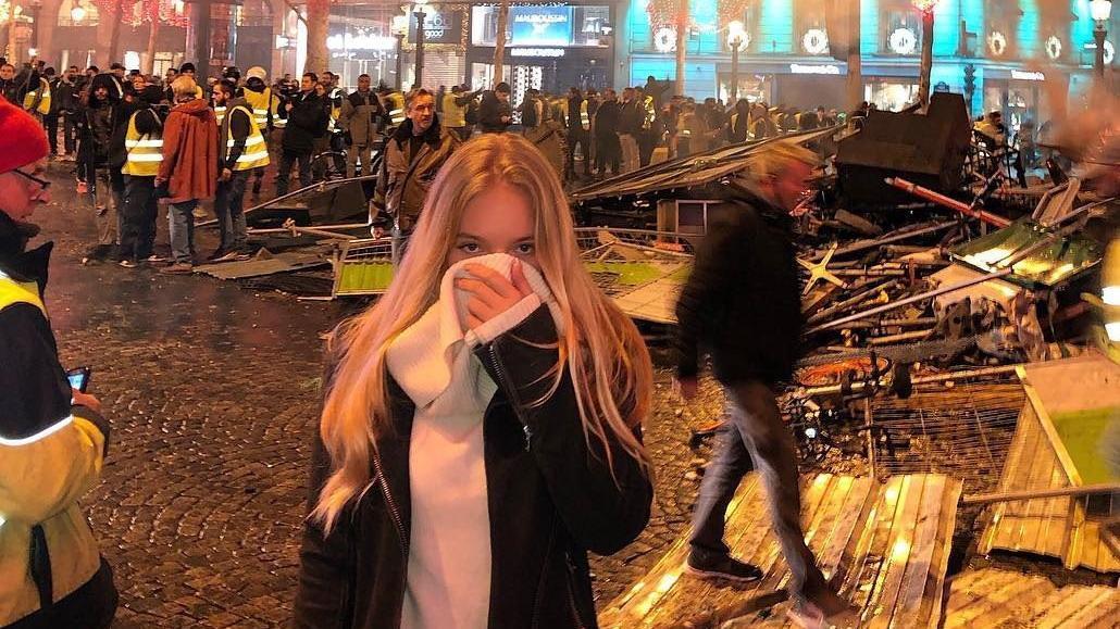 Putin'in sağ kolunun kızı, Paris'teki gösterilerde görüldü