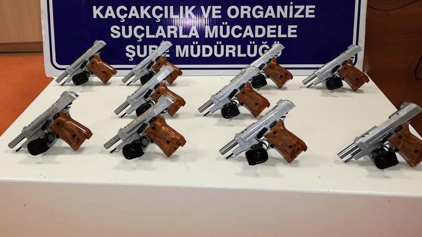 Polisin durdurduğu araçta 10 adet tabanca ele geçirildi