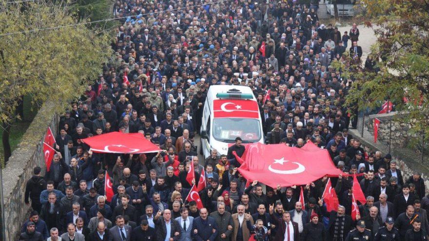 Diyarbakır kahramanını sonsuzluğa uğurladı!