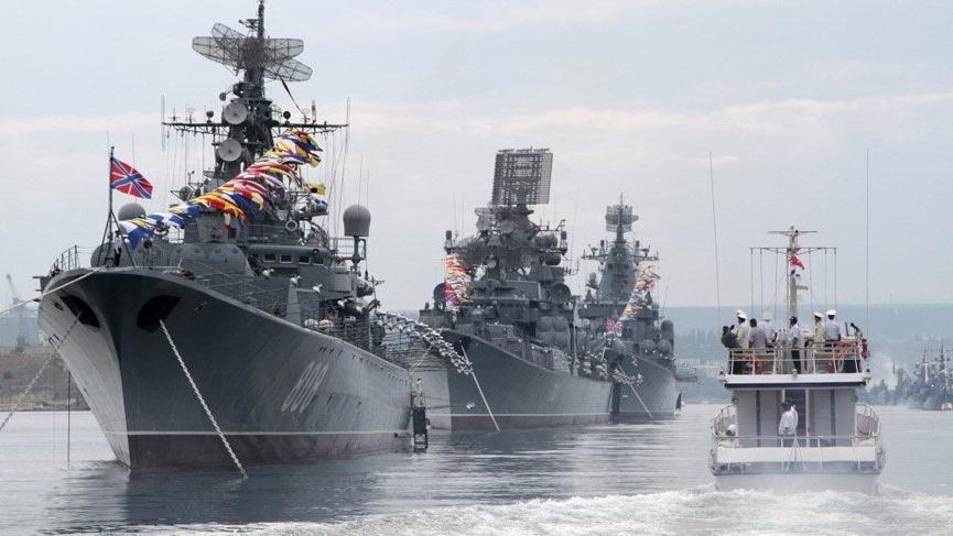 Son dakika... Rusya: Gemiyi yaklaşmaması için uyardık