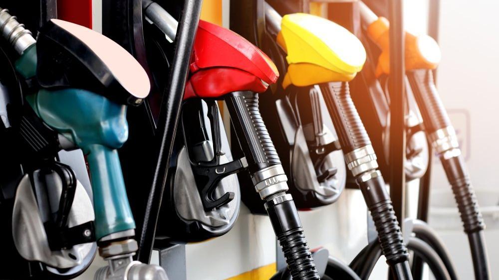 Benzin neden ucuzluyor?
