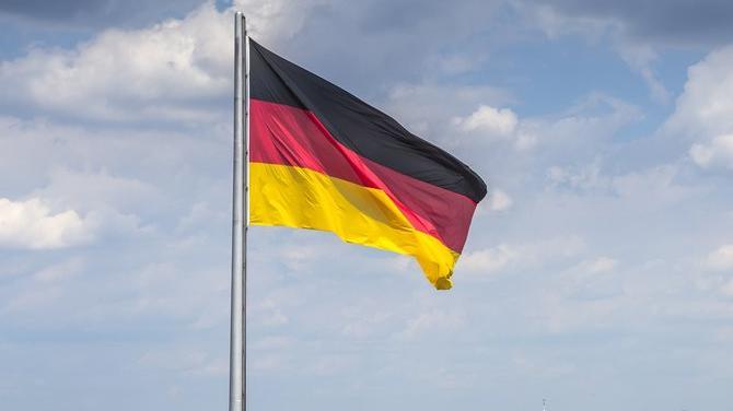 Alman ekonomisi üçüncü çeyrekte daraldı