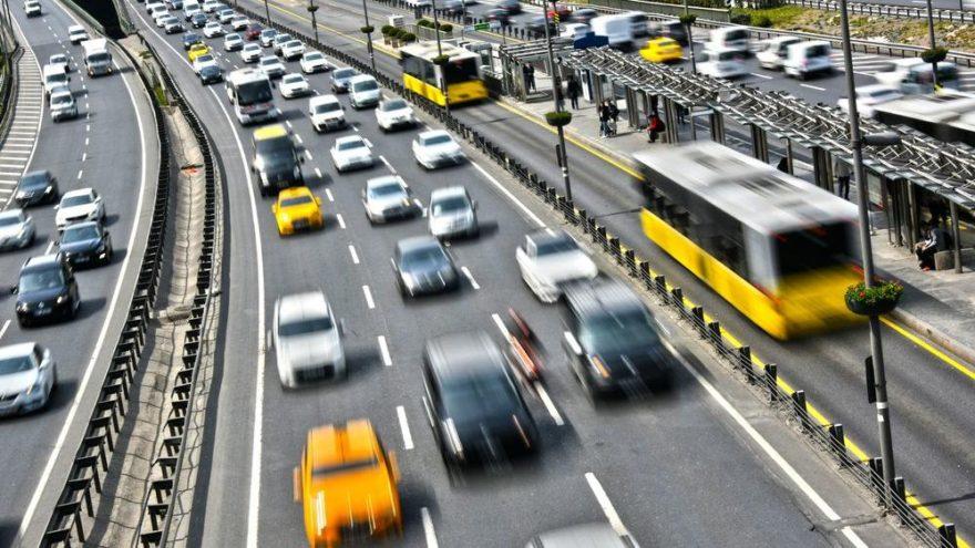 Trafiğe kaydı yapılan taşıt sayısı neredeyse yarı yarıya azaldı!