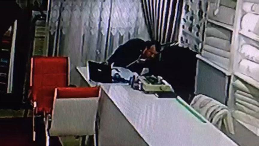 Kasayı soydu, dükkan sahibinden kartvizit alıp gitti