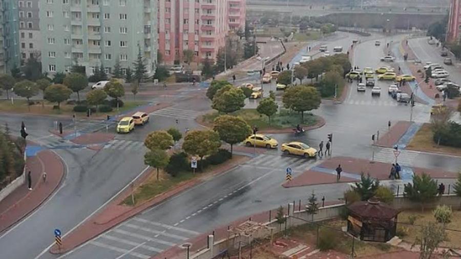 Konya'da taksicilerden 'korsan' eylemi