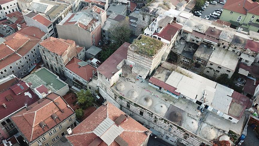 İstanbul'un göbeğindeki tarihi talanı kaydeden drona silahlı saldırı