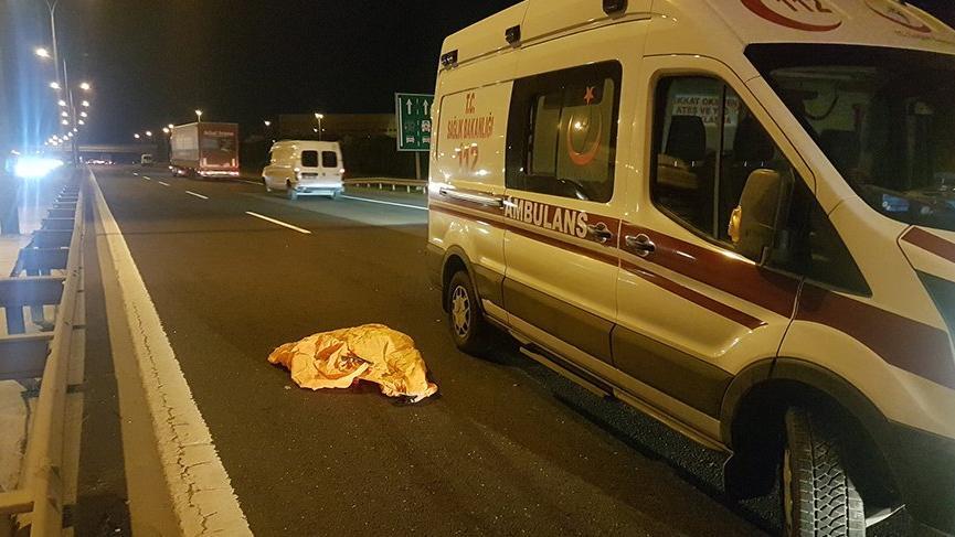 Son dakika haberi... TEM'de feci kaza! Polis ceset parçalarını topladı