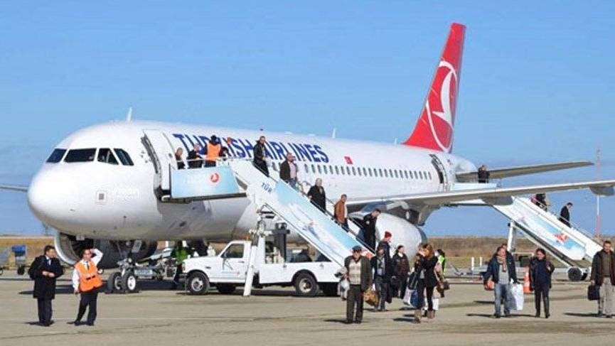 İzmir'de pistteki uçakta büyük panik!
