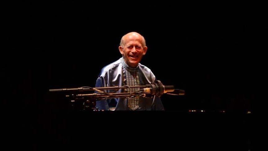 Efsane piyanist David Helfgott dinleyicileri büyüledi