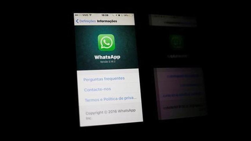 WhatsApp'ta yayılan dedikodular yüzünden iki kişi yakılarak öldürüldü