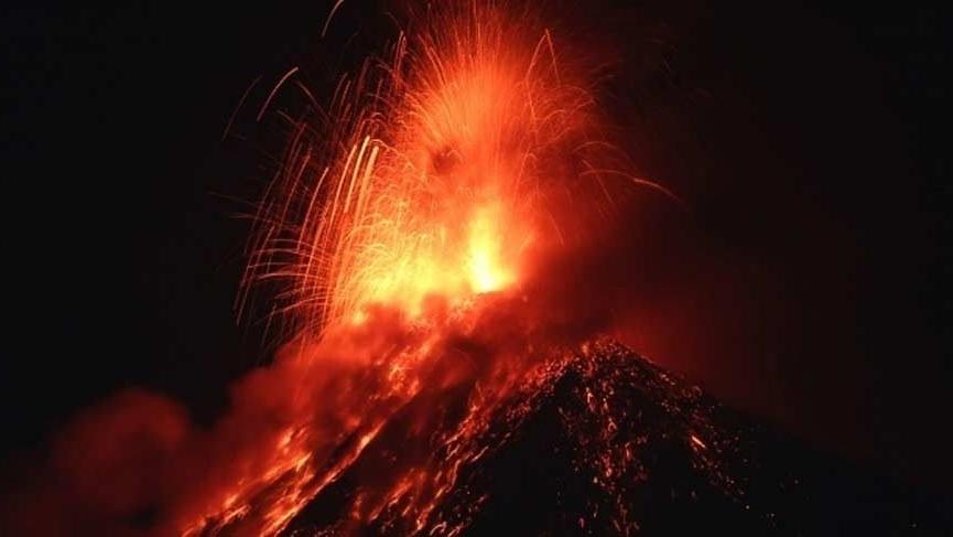 Fuego Yanardağı'nda patlama!