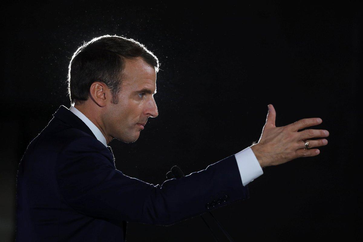 Macron'a suikast hazırlığı içerisinde olduğu tahmin edilen 6 kişi gözaltına alındı.