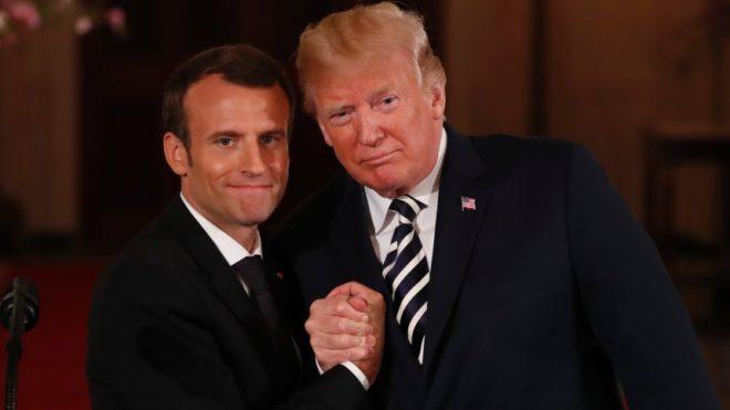 Macron ve Trump nisan ayında samimi pozlar vermişti.