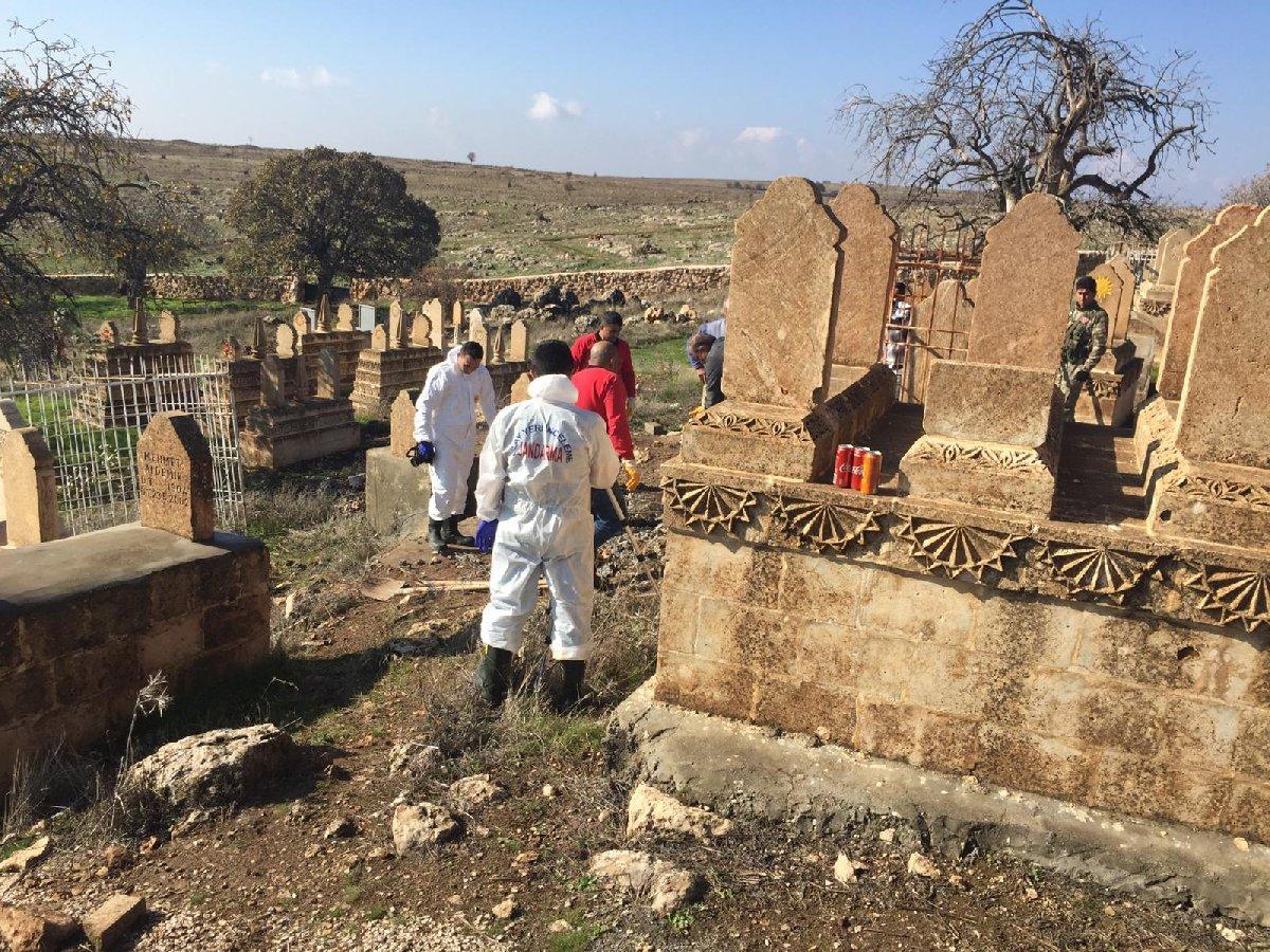 Ekipler Mardin'de bulunan mezarı açarak incelemelerde bulundu. DHA