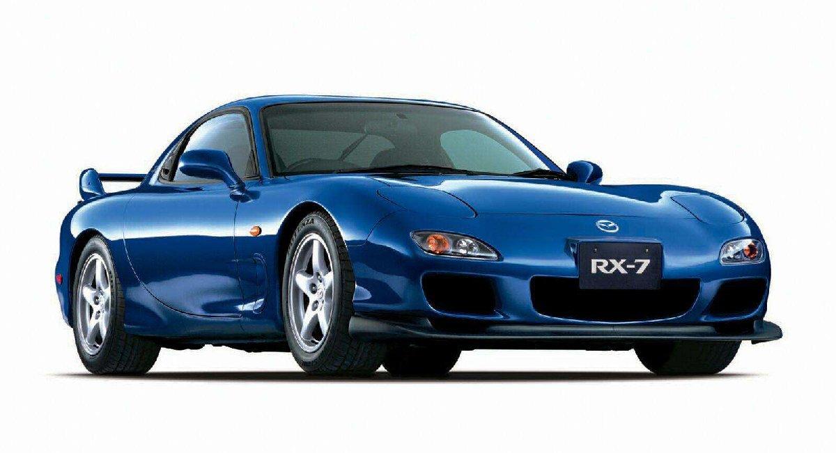 1999 yılında üretilen Wankel motorlu Mazda RX-7